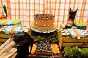 idealizada-por-leticia-alencar-wwwleticiaalencarcombr-a-festa-de-aniversario-de-um-ano-de-enrico-foi-inspirada-no-tema-fazendinha-musgos-feno-e-cactos-foram-evidenciados-pelo-1370374927588_755x500
